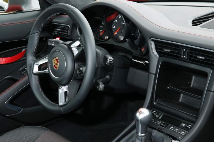 Porsche 911 Carrera T | Reviews | Complete Car on black porsche 911, old porsche 911, first porsche 911, hot wheels porsche 911, green porsche 911, orange porsche 911, gold porsche 911, future porsche 911, purple porsche 911, red porsche 911,