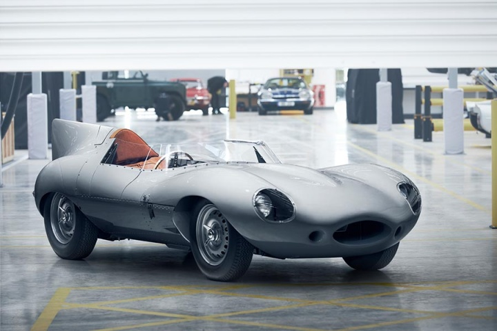 Jaguar resurrects the D-Type