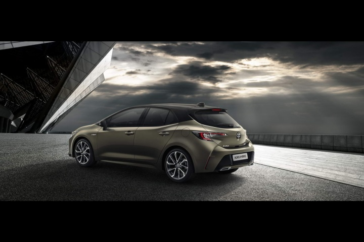 New Toyota Auris: pictures and specifications