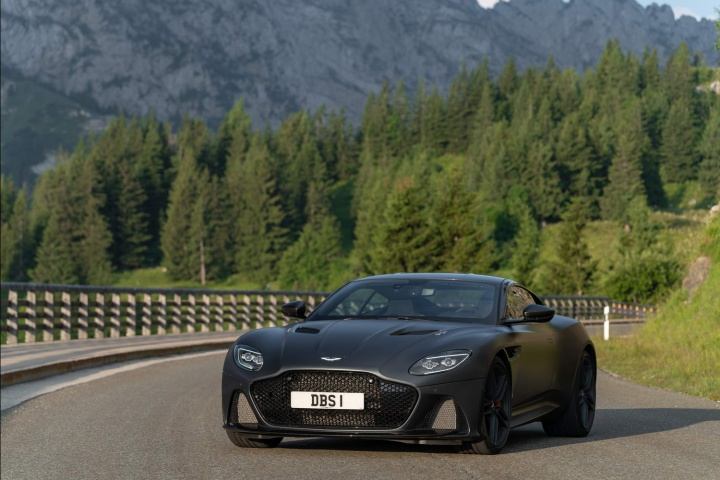 Aston Martin DBS Superleggera Coupe