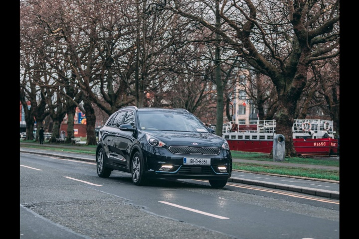 Kia Niro Plug In Hybrid Reviews Complete Car