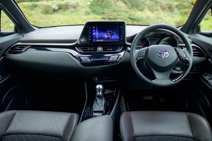 Toyota Chr Hybrid >> Toyota C Hr Hybrid Reviews Complete Car