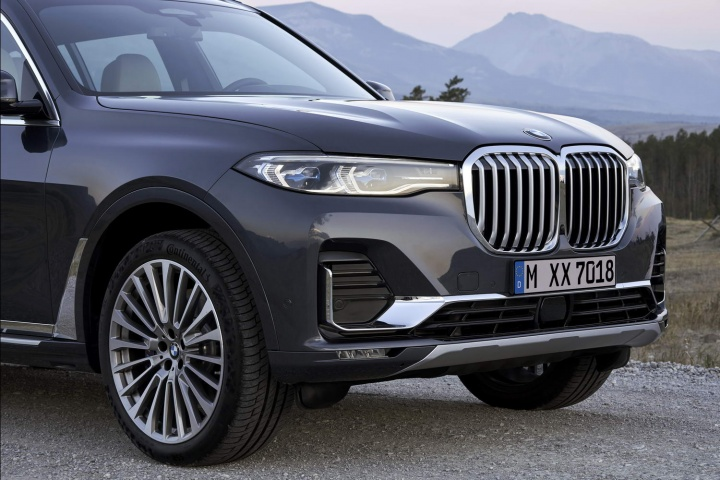 2019 BMW X7: full pictures and details