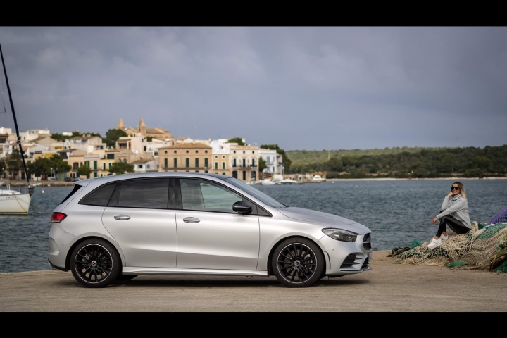 Silver Chrysler 200 >> Mercedes-Benz B 200 d diesel (2019) | Reviews | Complete Car