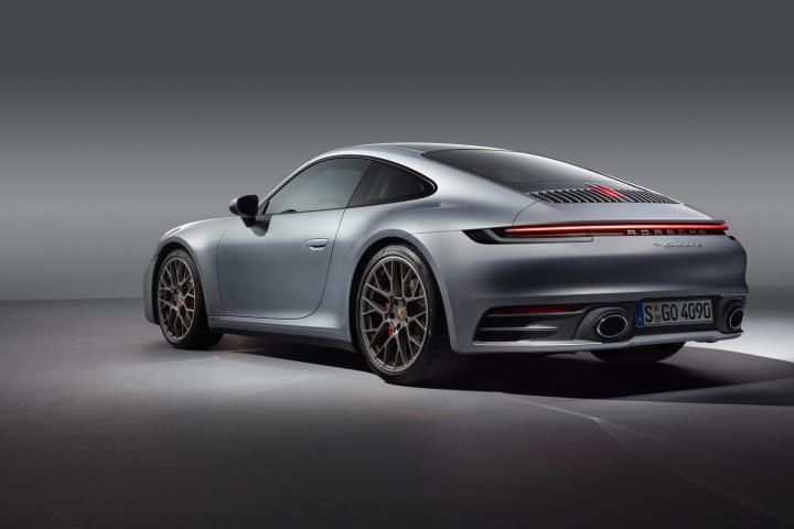 2019 Porsche 911: Irish pricing, specs and details - car and motoring news by CompleteCar.ie