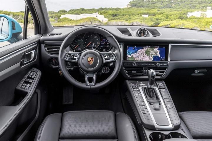 2 Door Range Rover >> Porsche Macan S 3.0 V6 petrol (2019)   Reviews   Complete Car