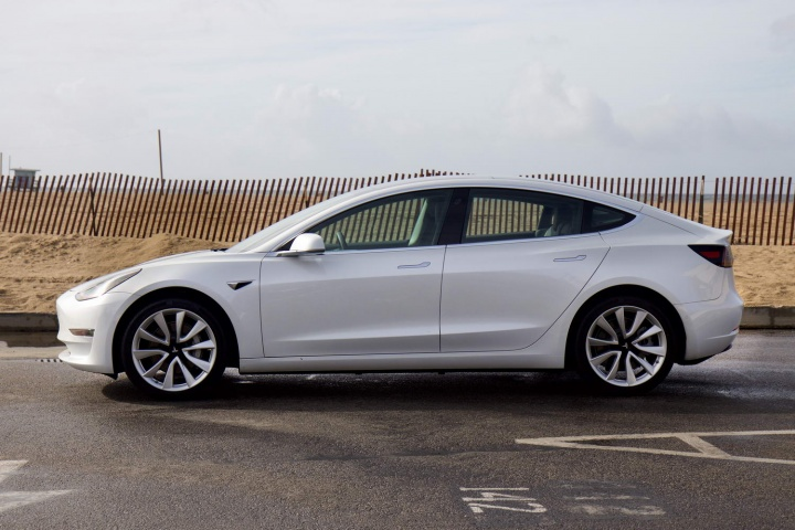 Tesla Model 3 Long-range (2019)