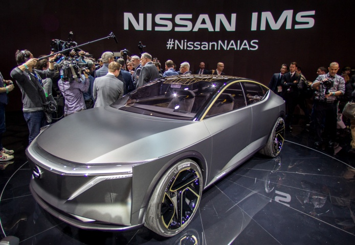 Nissan Ims Concept Tries To Mix Saloon And Suv Car And