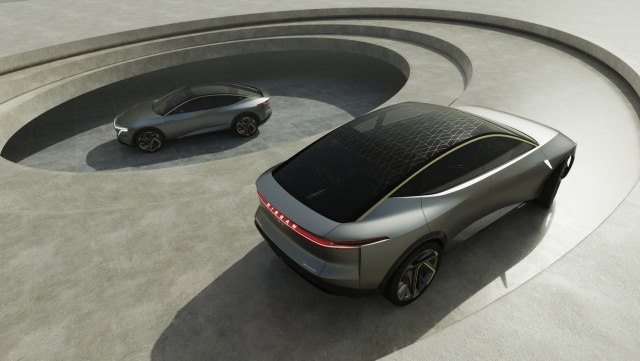 Nissan IMs concept tries to mix saloon and SUV - car and