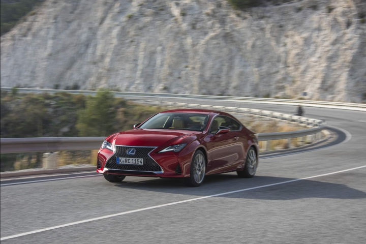 Lexus RC 300h Luxury (2019)