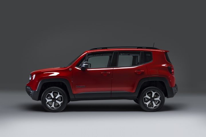 Jeep confirms PHEV models of Renegade and Compass