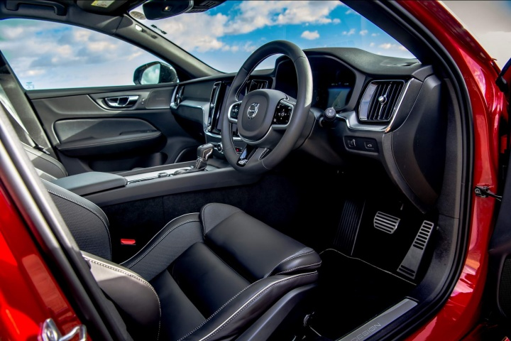 Volvo V60 R Design T5 Petrol 2019 Reviews Complete Car