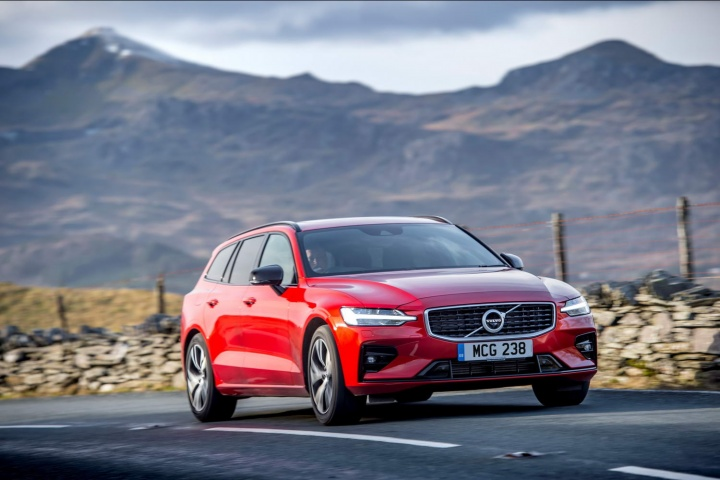 Audi Drive Select >> Volvo V60 R-Design T5 petrol (2019) | Reviews | Complete Car