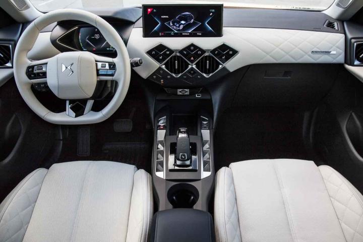 Range Rover Interior >> DS 3 Crossback E-Tense prototype (2019) | Reviews