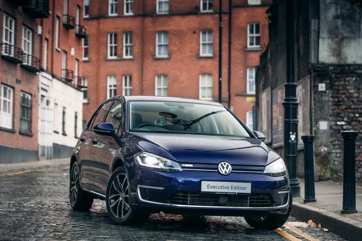 Volkswagen offers PCP deal on e-Golf - car and motoring news by CompleteCar.ie
