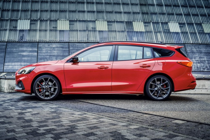 Ford Reveals New Focus St Estate Car And Motoring News