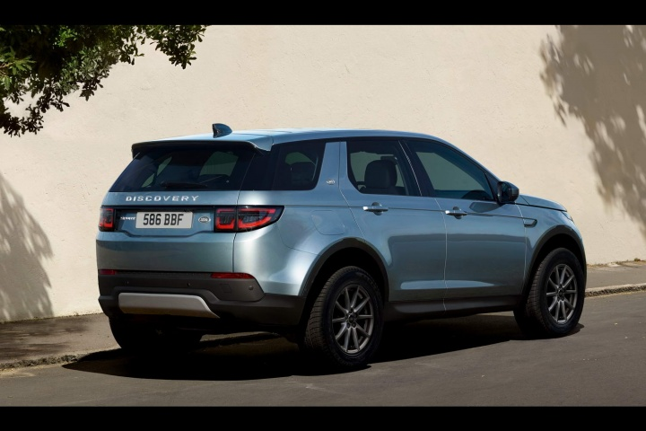 Seven Seater Suv >> Land Rover shows off new Discovery Sport - car and ...