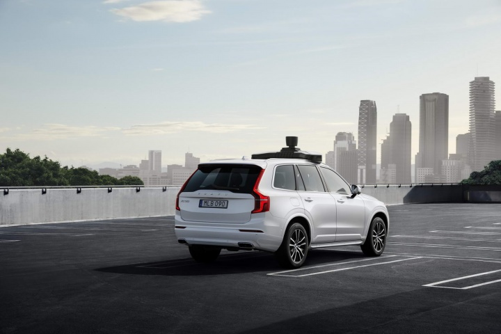Volvo and Uber show off their self-driving XC90