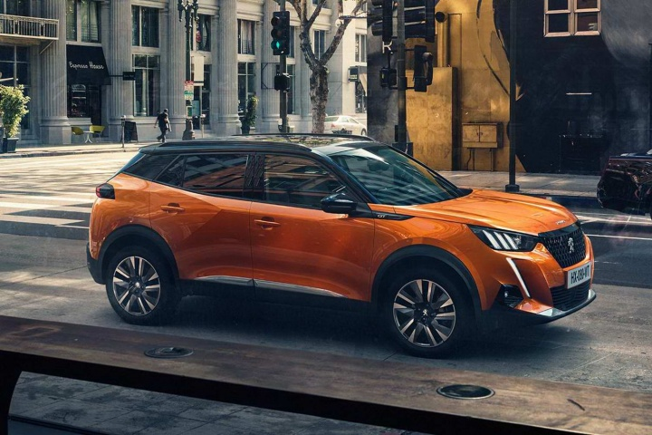 Lexus Electric Car >> New Peugeot 2008 gets electric version - car and motoring news by CompleteCar.ie