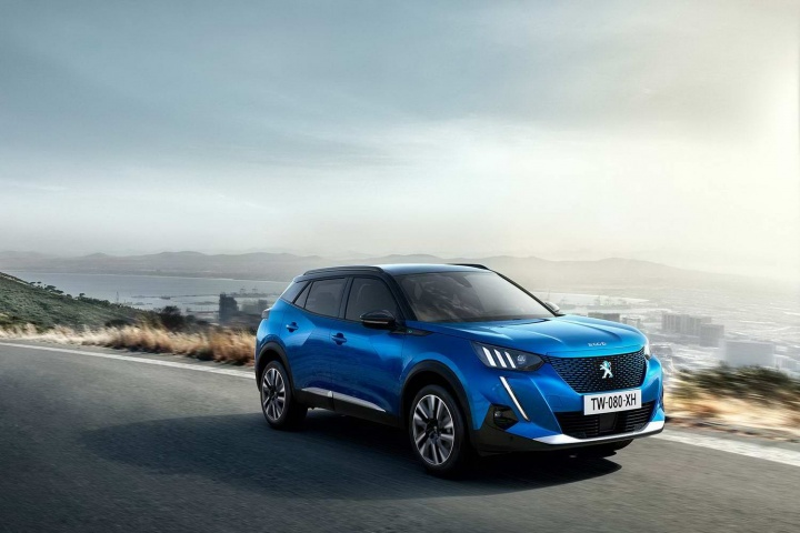 Land Rover Range Rover >> New Peugeot 2008 gets electric version - car and motoring news by CompleteCar.ie