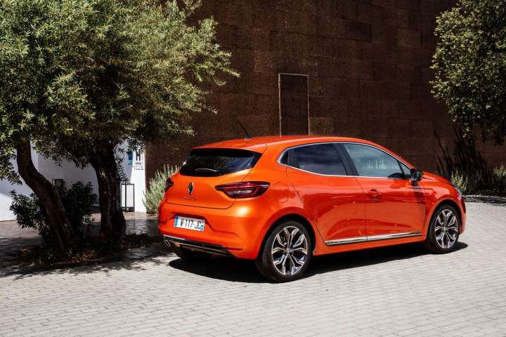 Toyota Of Orange >> Renault Clio TCe 100 (2020)   Reviews   Complete Car