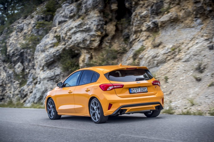 ford focus st hatchback (2020) | reviews | complete car