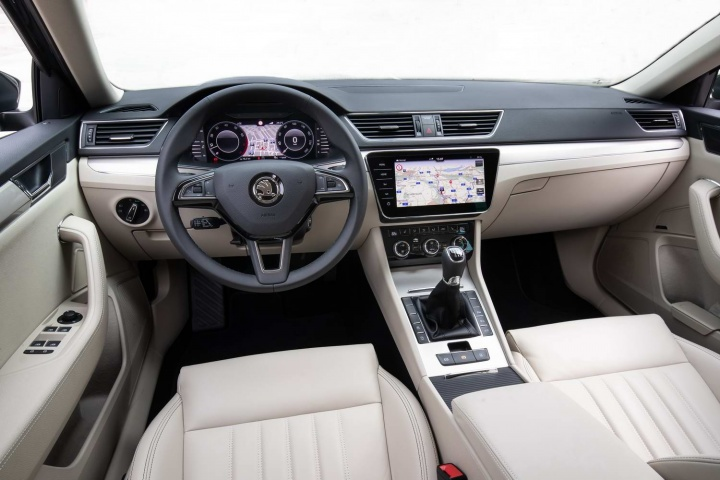 Smart Car Safety >> Skoda Superb 2.0 TDI Evo Combi (2020) | Reviews | Complete Car