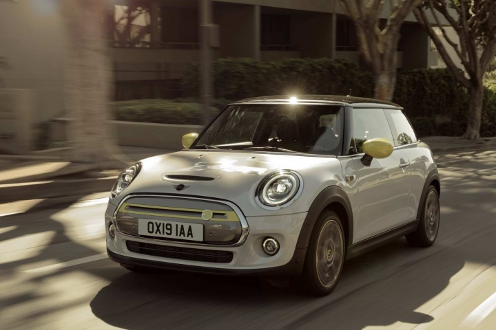 Fully-electric MINI hatch unveiled