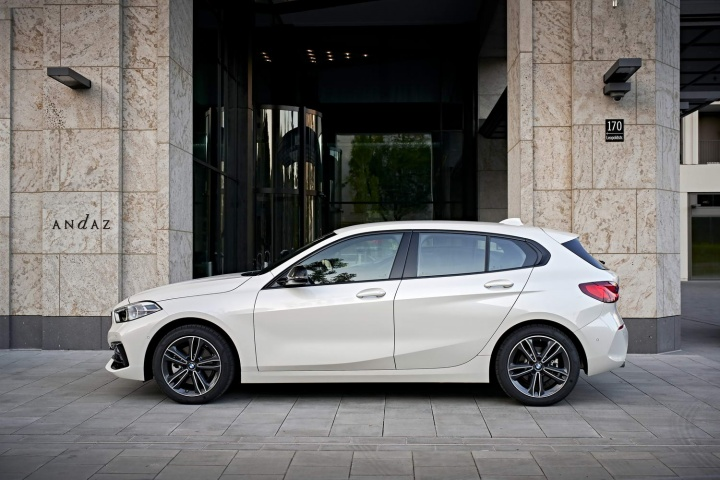 BMW 118d diesel (2020) | Reviews | Complete Car
