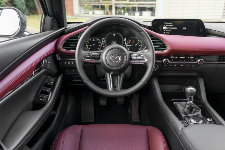 Mazda 3 SkyActiv-X (2020 pre-production) | Reviews ...