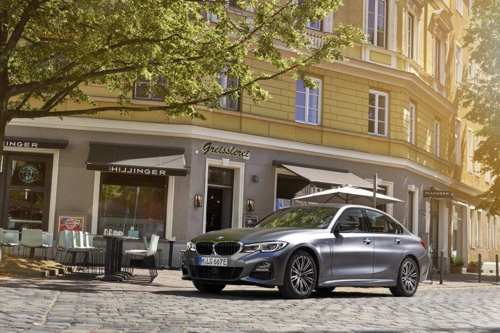 Bmw 330e Hybrid 2020 Reviews Complete Car