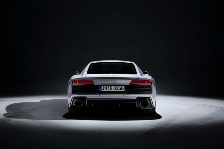 Audi keeps the rear-drive R8 in the range