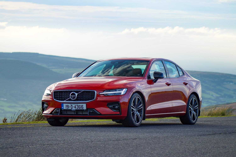 Volvo S60 T5 R-Design (2019) | Reviews | Complete Car