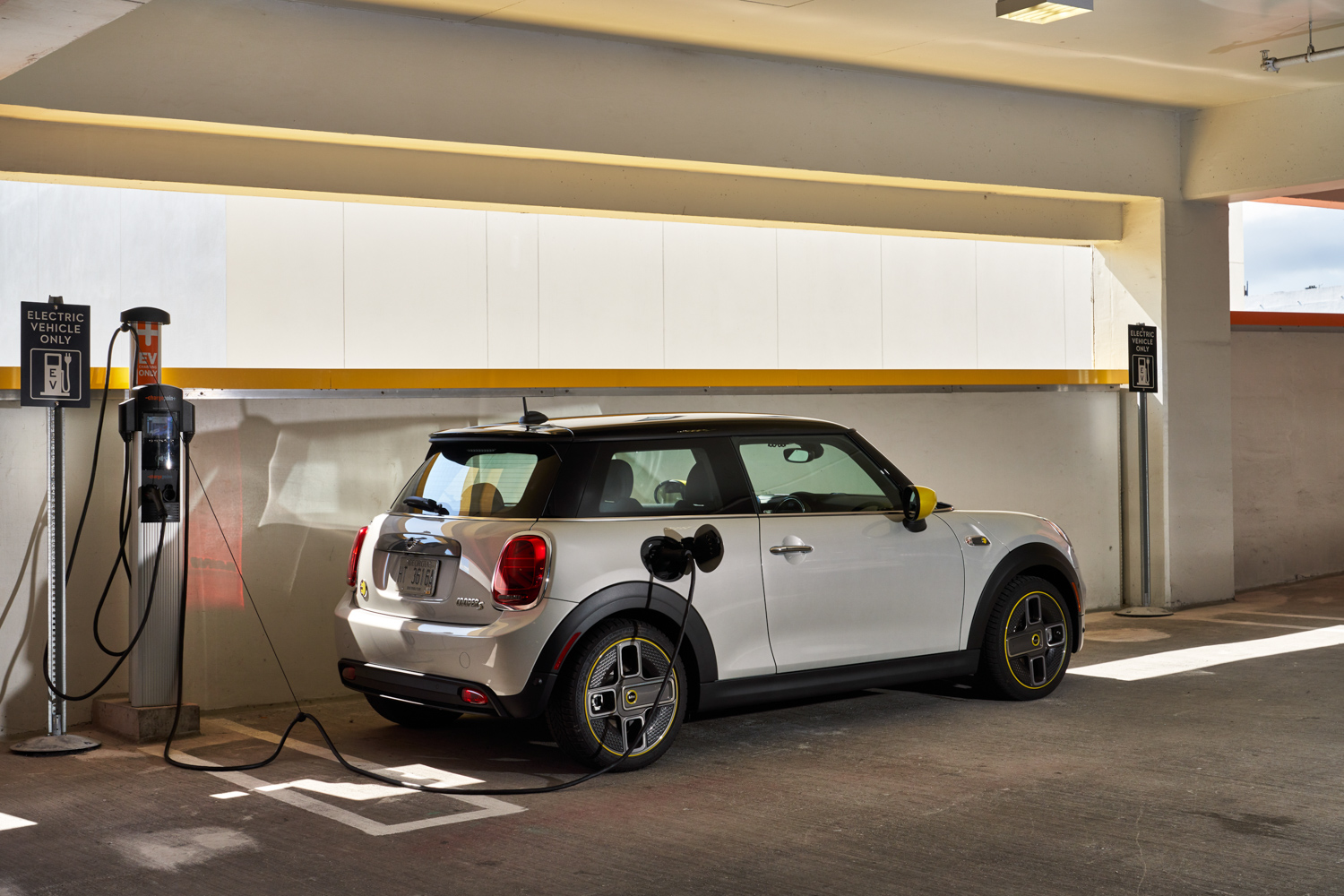 MINI Electric goes on sale in Ireland