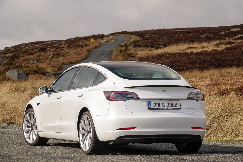 Tesla Model 3 Performance (2020) | Reviews | Complete Car