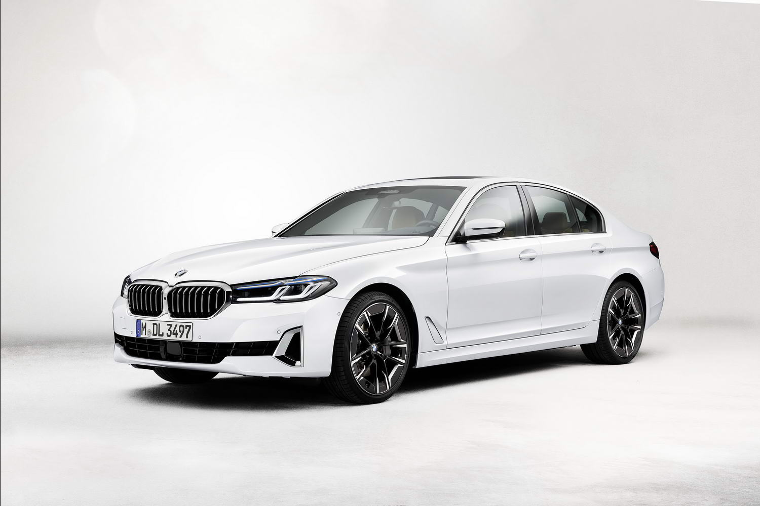 Car News | BMW 540i Saloon 'LCI' 2021 image gallery | CompleteCar.ie