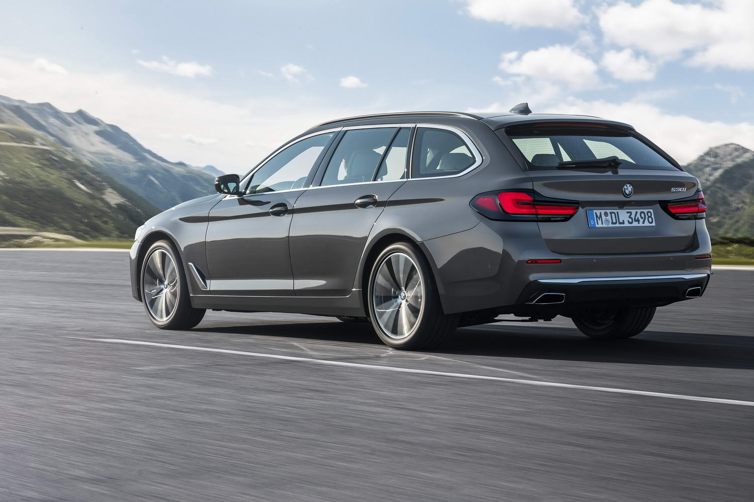 Car News   BMW 5 Series Touring 'LCI' 2021 image gallery   CompleteCar.ie