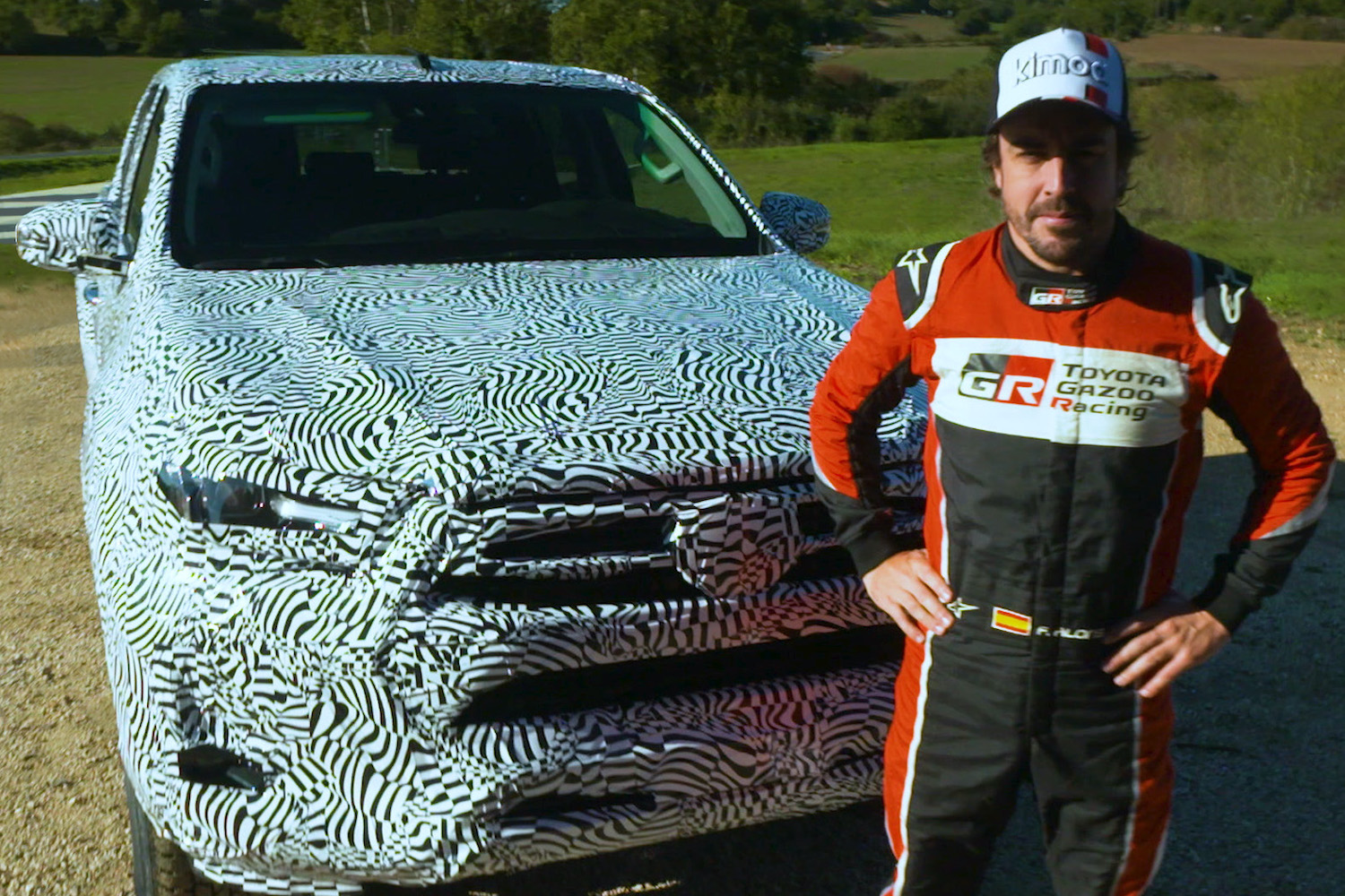 Car News | Fernando Alonso gives new Hilux the thumbs-up