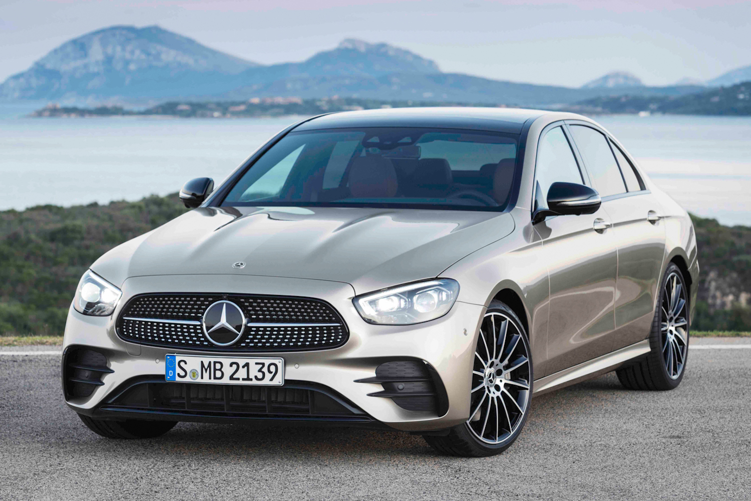 Car News | Mercedes-Benz eyes sales growth for 202-plate | CompleteCar.ie