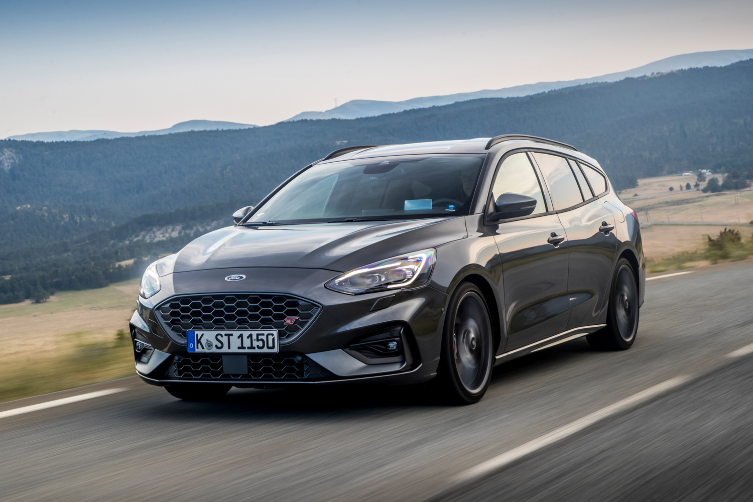 Car News | Ford unleashes automatic Focus ST | CompleteCar.ie