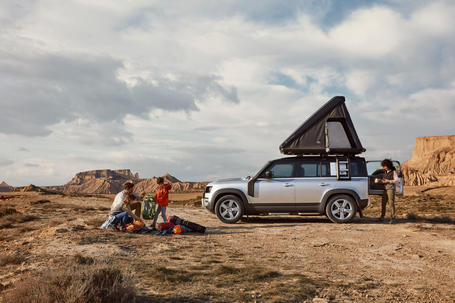 Car News | Autohome and Land Rover have a roof-top tent for the summer | CompleteCar.ie