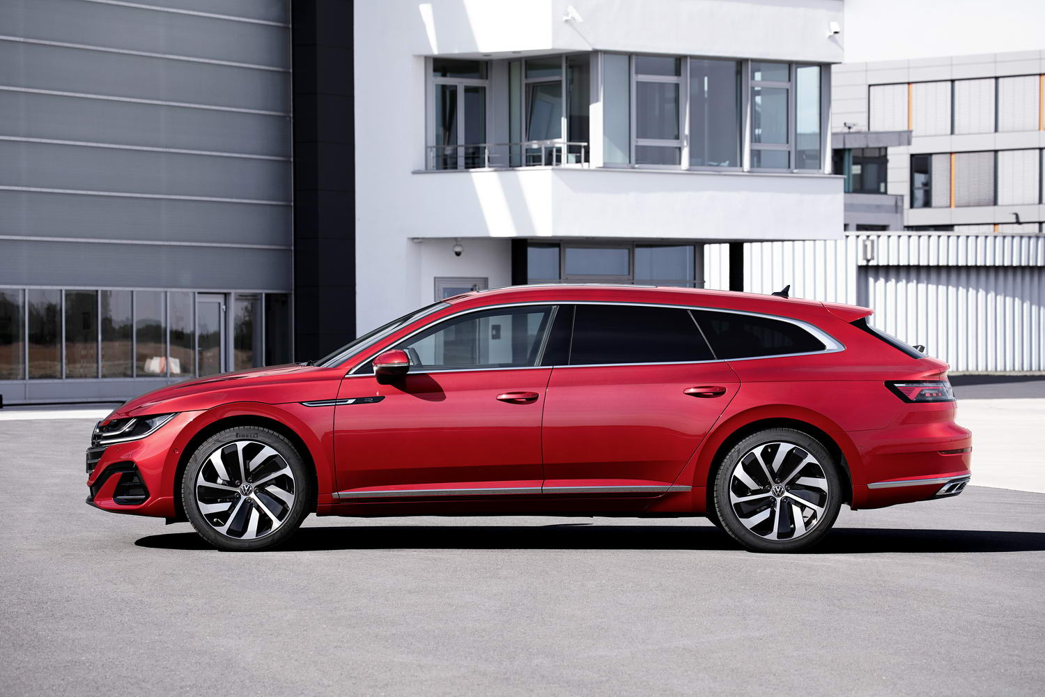 Car News | Volkswagen Arteon Shooting Brake gallery | CompleteCar.ie