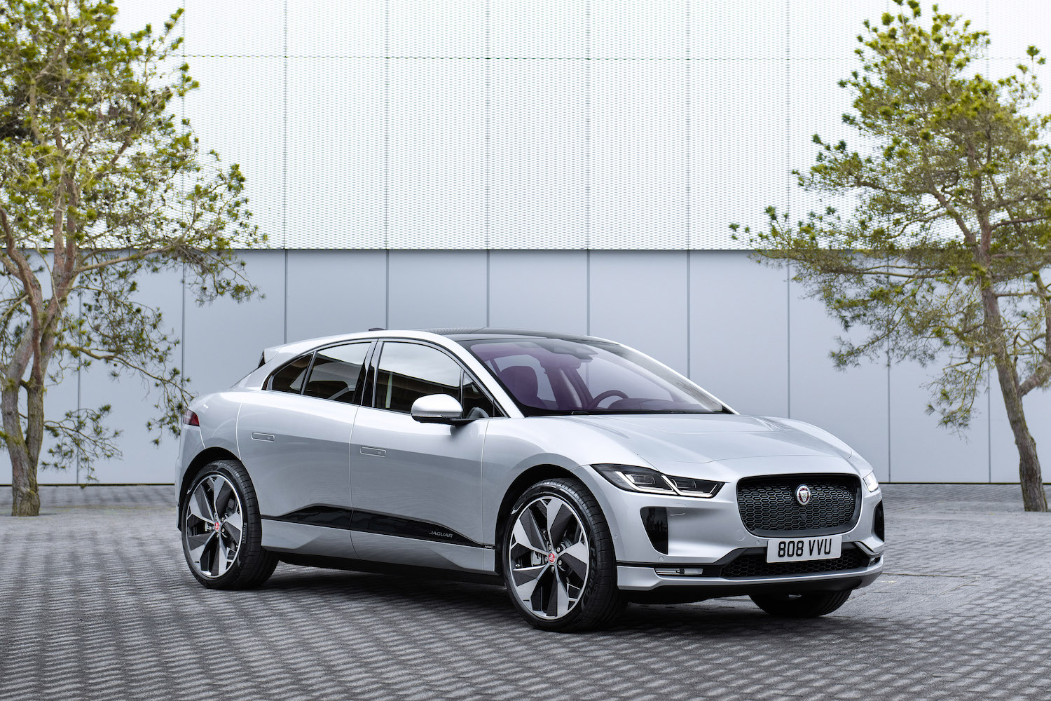 Car News | Jaguar I-Pace picks up high-tech taxi fare | CompleteCar.ie