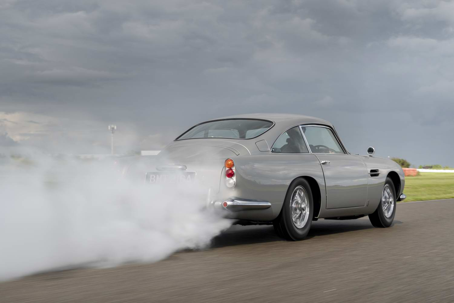 Car News | New Aston DB5 Goldfinger rolls off the line