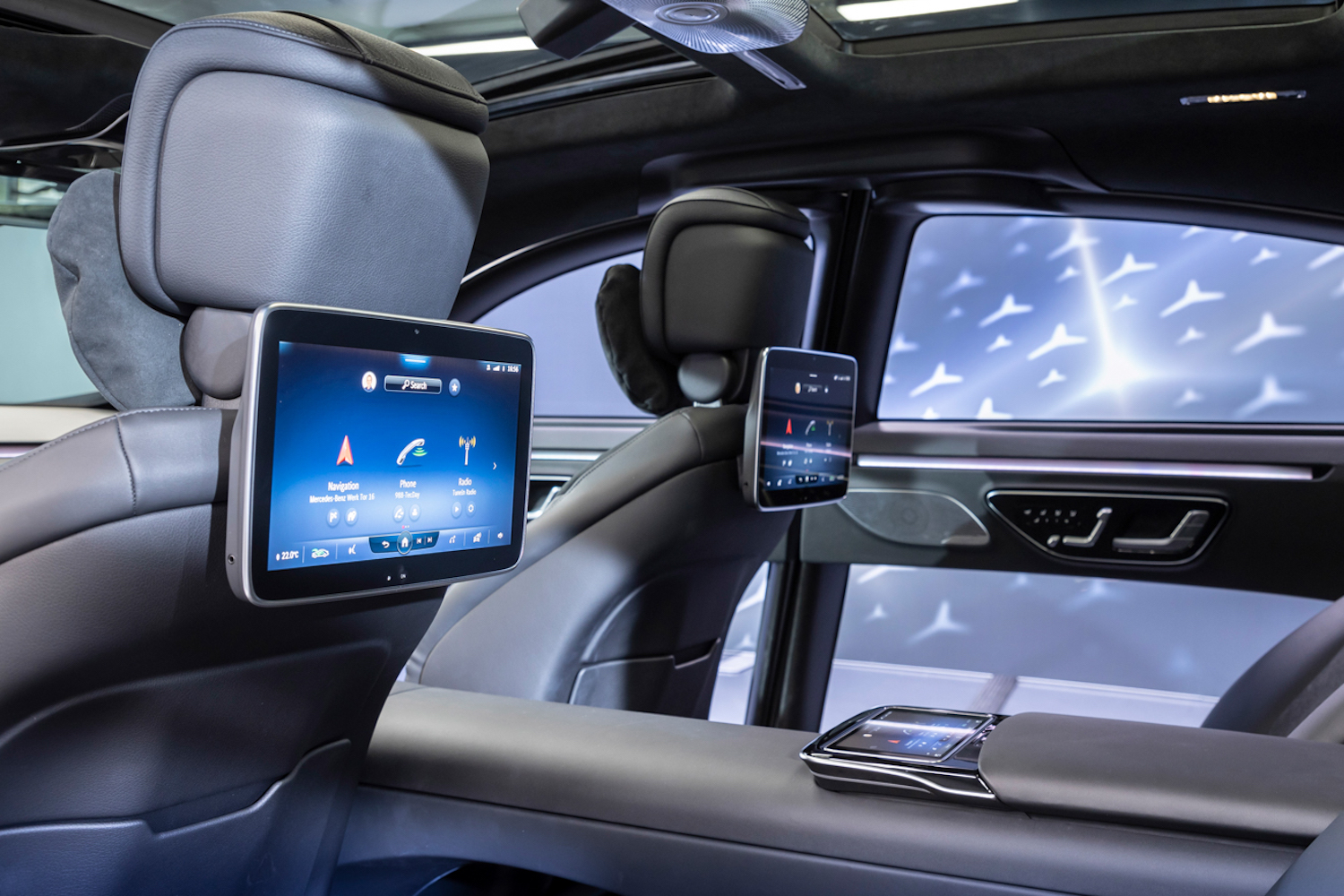 Car News | Clever rear-seat entertainment for Mercedes-Benz S-Class | CompleteCar.ie