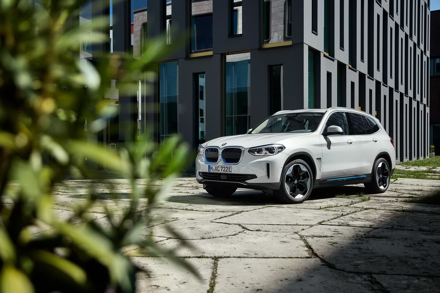 Car News | Electric BMW iX3 SUV unveiled in full | CompleteCar.ie