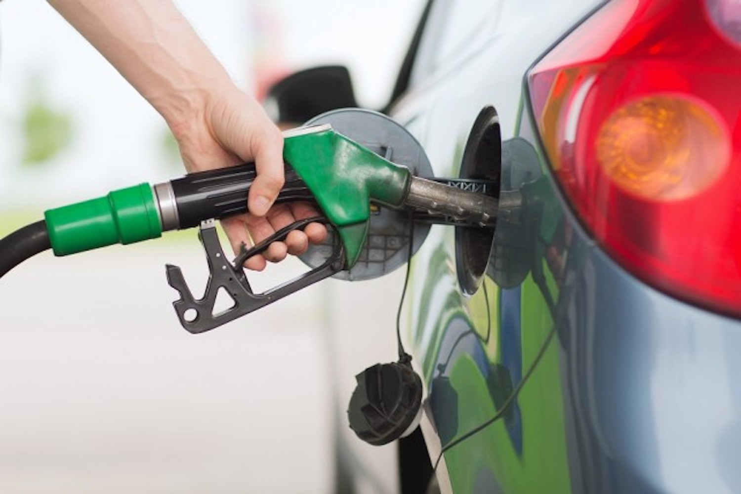 Car News | AppleGreen offers cheap fuel for Friday | CompleteCar.ie