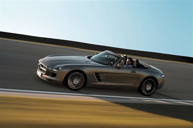 Car News | Official: SLS AMG Roadster in detail | CompleteCar.ie