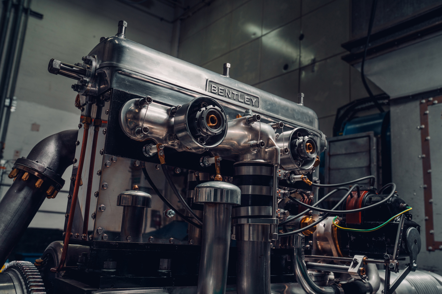 Bentley 'Blower' engine is all fired up