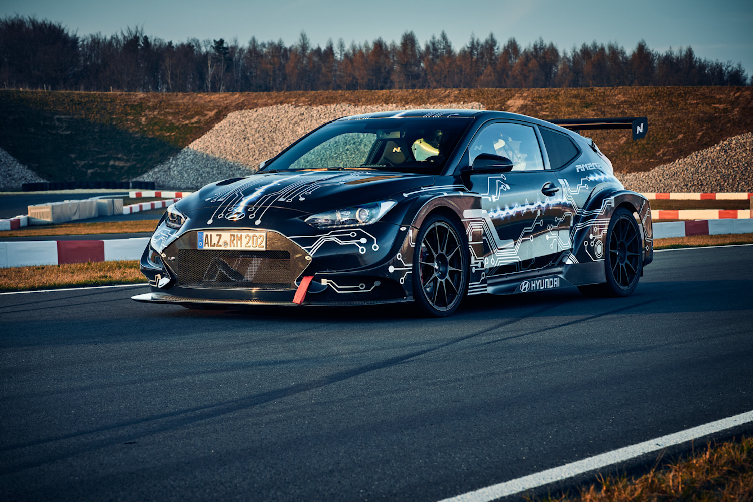 Car News | Hyundai RM20e Racing Midship Sports Car | CompleteCar.ie